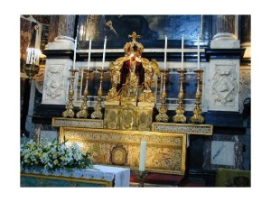 1451110-High_Altar_Antwerp