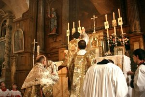 tridentine_mass_elevation_2